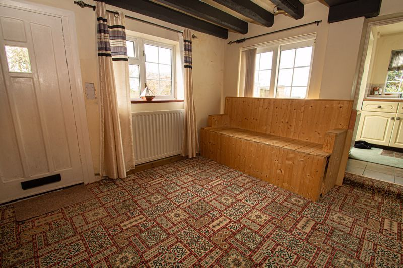3 bed cottage for sale in Astwood Lane  - Property Image 4