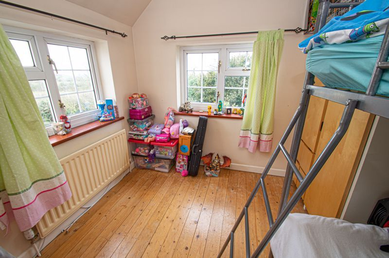 3 bed cottage for sale in Astwood Lane  - Property Image 8