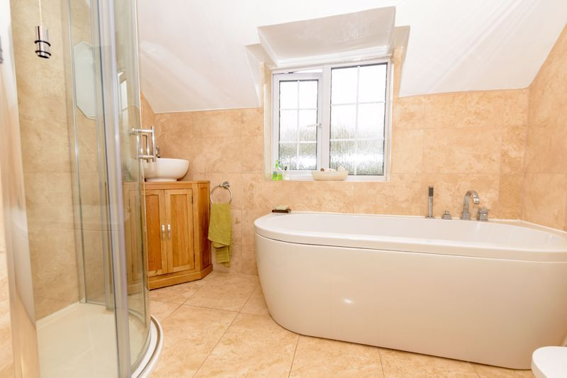 3 bed cottage for sale in Hewell Lane 12