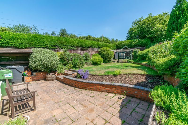 3 bed cottage for sale in Hewell Lane 13