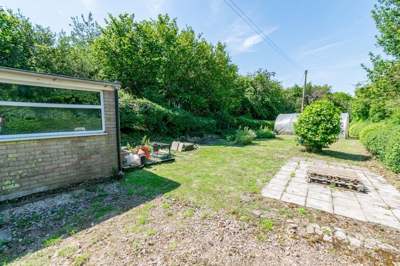 3 bed cottage for sale in Hewell Lane 16