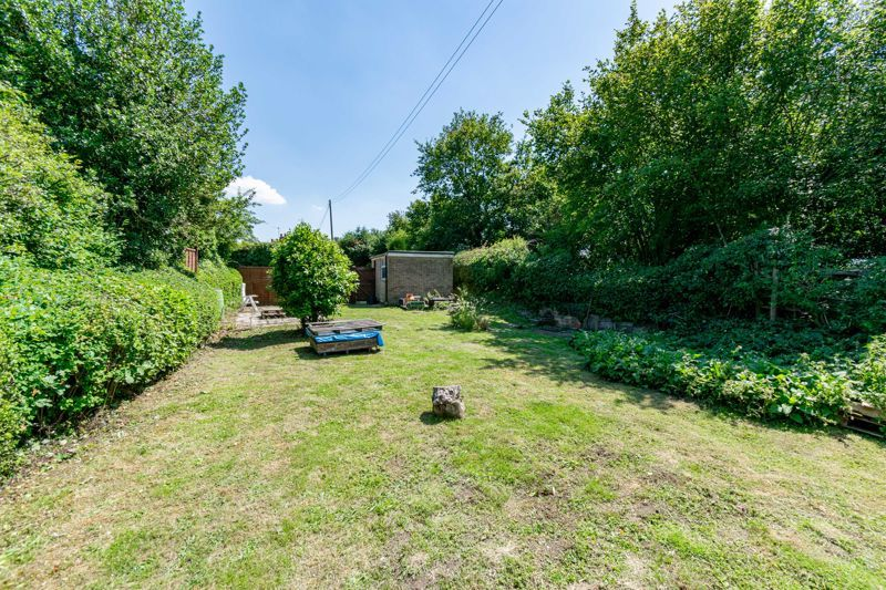 3 bed cottage for sale in Hewell Lane 17