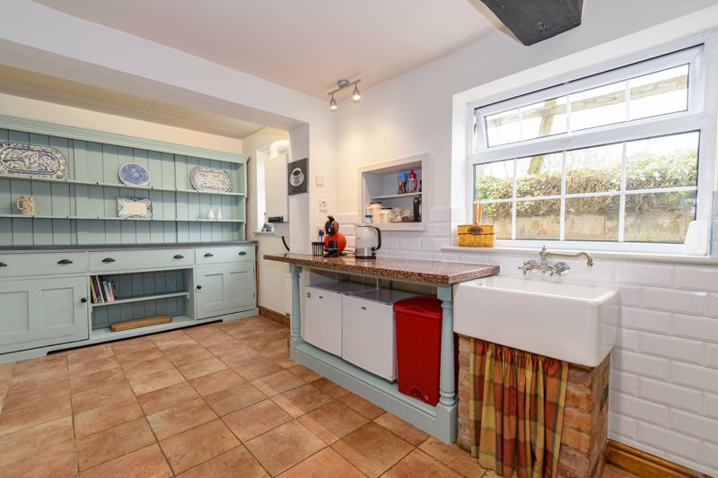3 bed cottage for sale in Hewell Lane  - Property Image 6