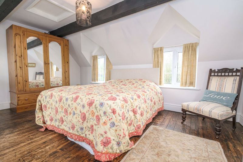3 bed cottage for sale in Hewell Lane  - Property Image 7