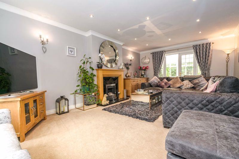 4 bed  for sale in Foxlydiate Lane 2