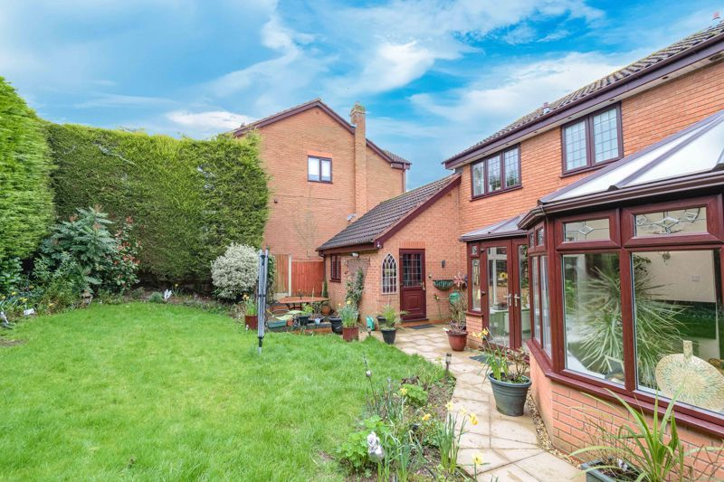 4 bed  for sale in Foxlydiate Lane 13