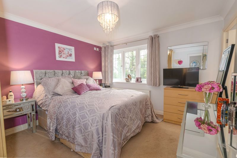 4 bed  for sale in Foxlydiate Lane 6
