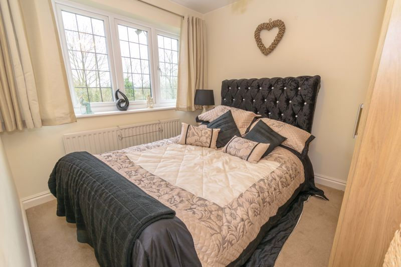 4 bed  for sale in Foxlydiate Lane 8
