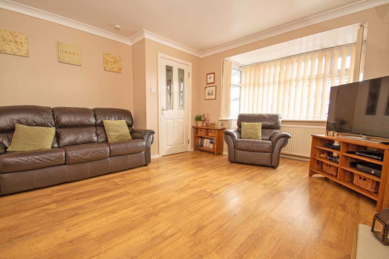 4 bed house for sale in Blake Hall Close 2