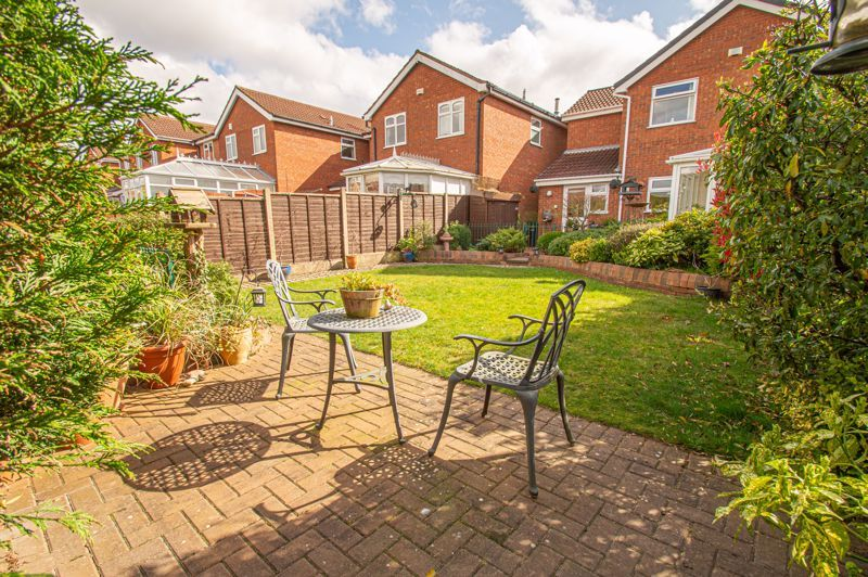 4 bed house for sale in Blake Hall Close  - Property Image 13