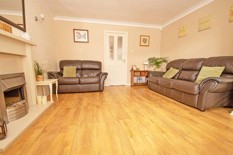 4 bed house for sale in Blake Hall Close 3