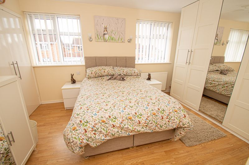 4 bed house for sale in Blake Hall Close 8