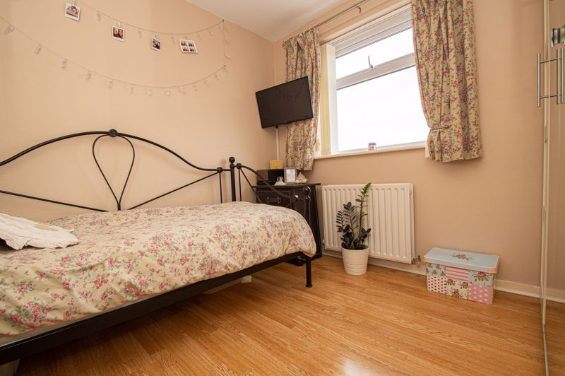 4 bed house for sale in Blake Hall Close  - Property Image 10