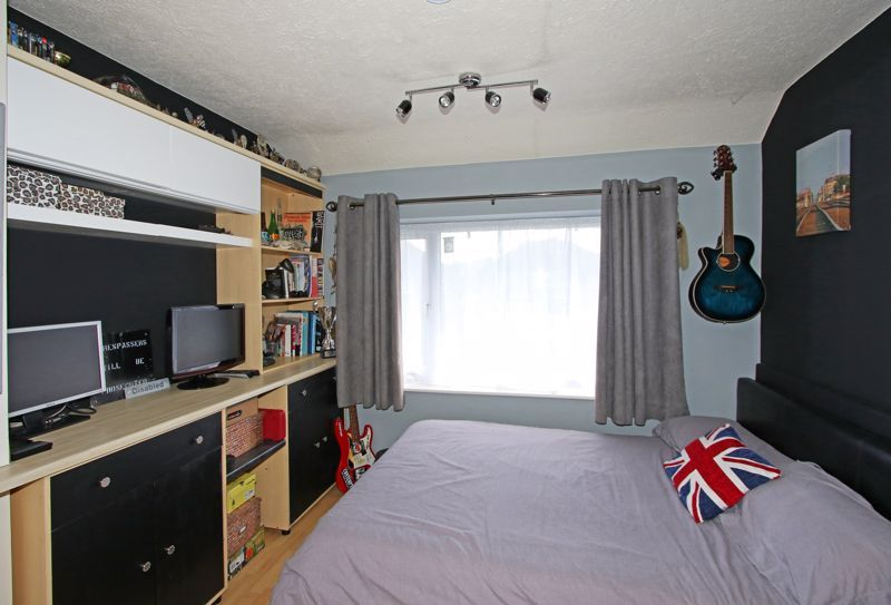 3 bed house for sale in Castle Road  - Property Image 7
