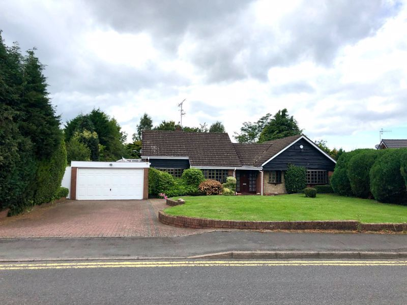 2 bed bungalow for sale in Redlake Drive 1