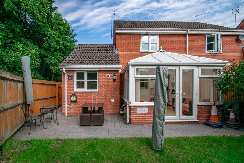 3 bed house for sale in Appletree Lane 13