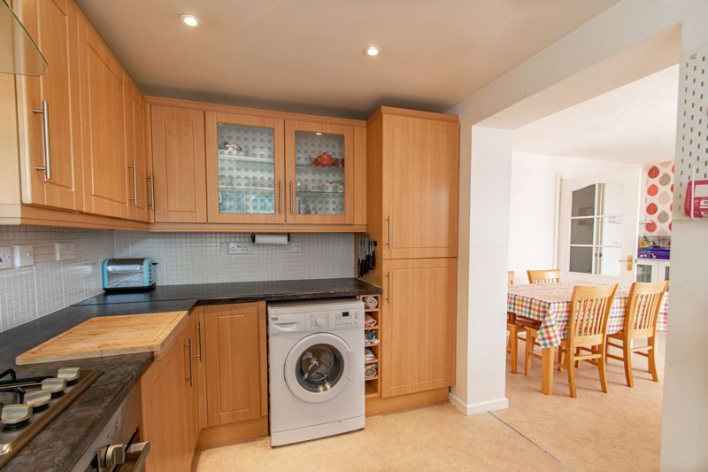 3 bed house for sale in Appletree Lane 5