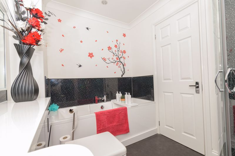 3 bed house for sale in Astley Close  - Property Image 12