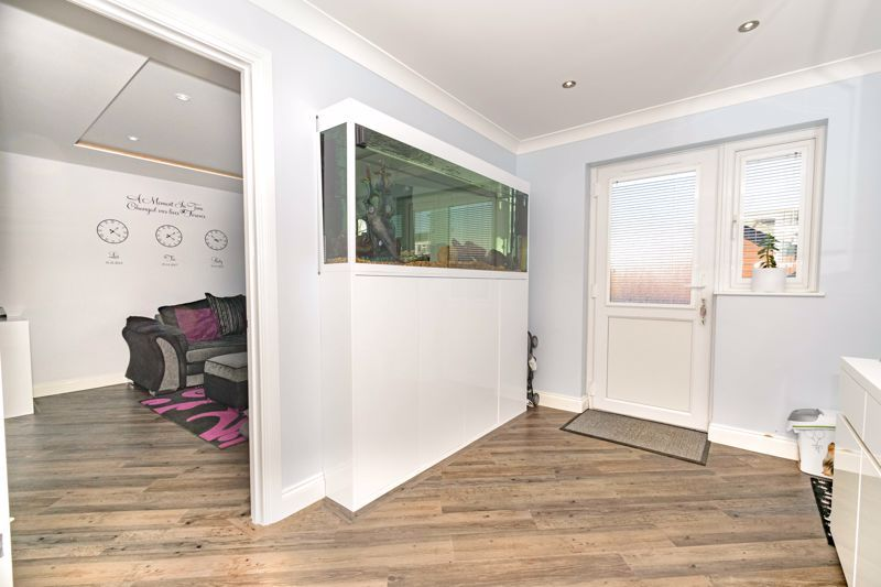 3 bed house for sale in Astley Close  - Property Image 6