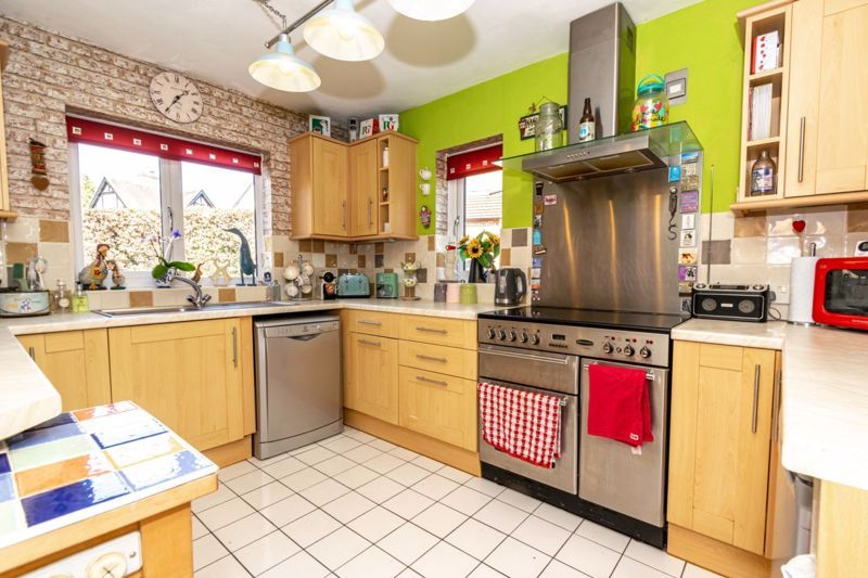 4 bed  for sale in Brooklands Lane 3