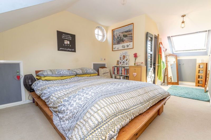 4 bed  for sale in Brooklands Lane 7