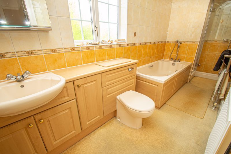 4 bed house for sale in Long Lane  - Property Image 16