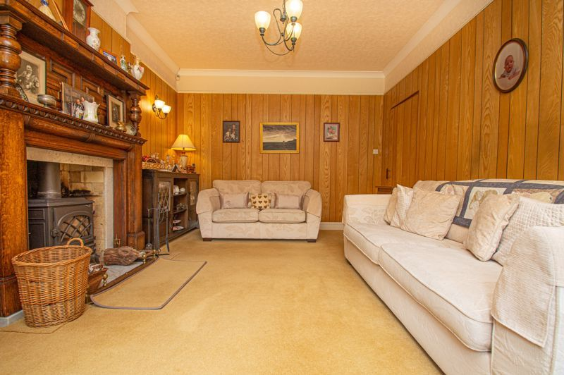 4 bed house for sale in Long Lane  - Property Image 4