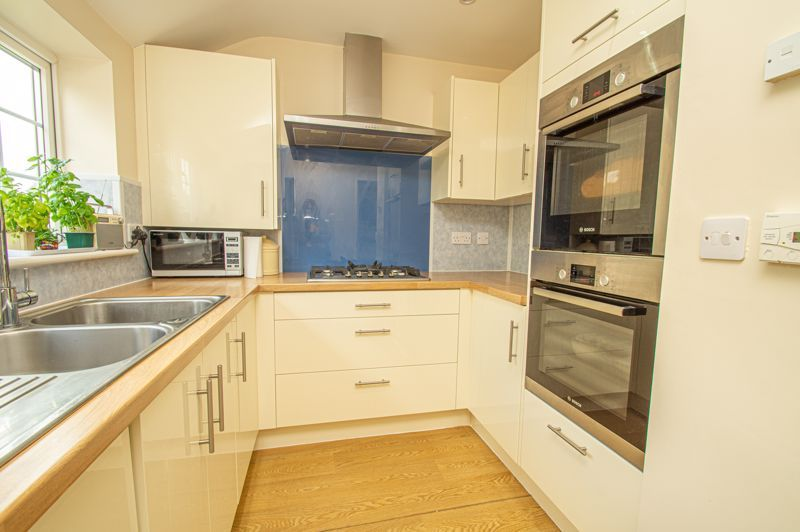 4 bed house for sale in Long Lane 6