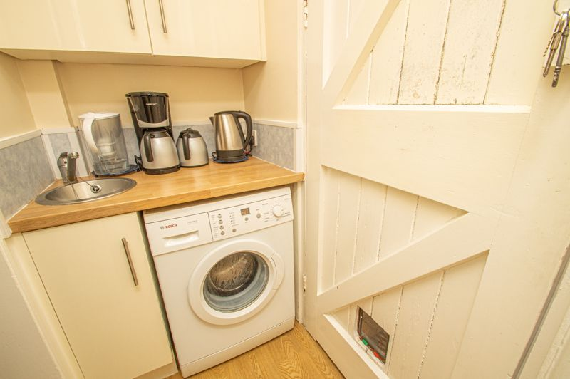 4 bed house for sale in Long Lane  - Property Image 7