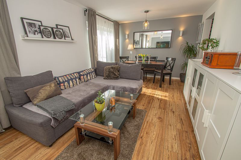 3 bed house for sale in Bushley Close  - Property Image 2