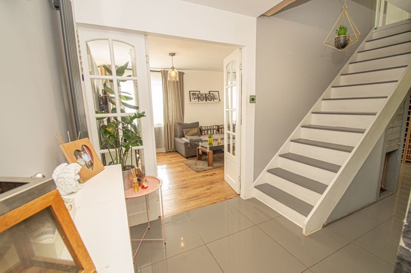 3 bed house for sale in Bushley Close 6