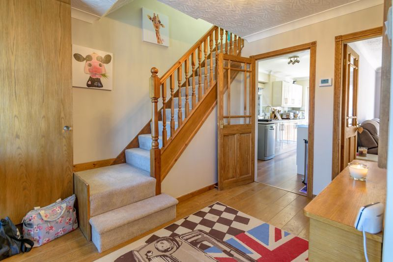 3 bed house for sale in Swift Close  - Property Image 2