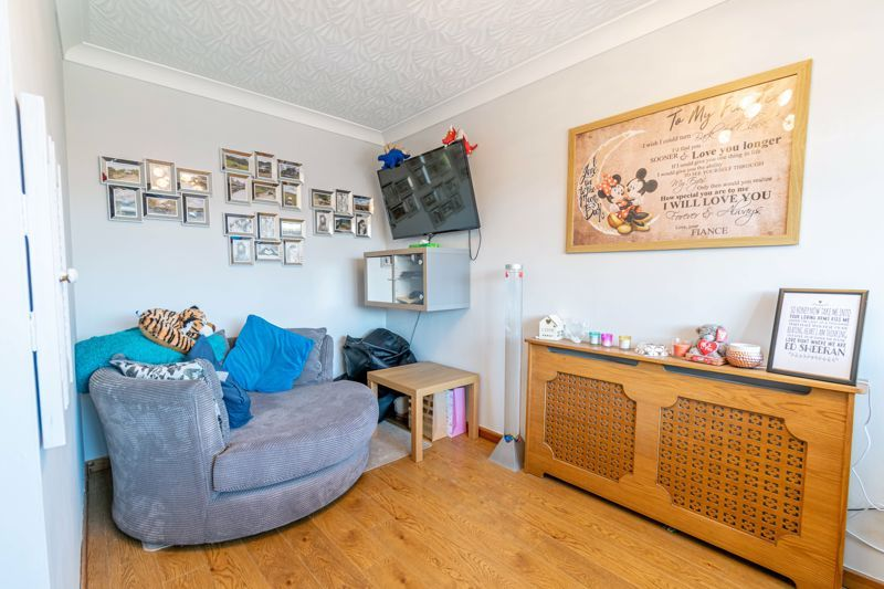 3 bed house for sale in Swift Close 6