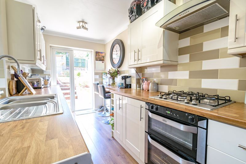 3 bed house for sale in Swift Close 7