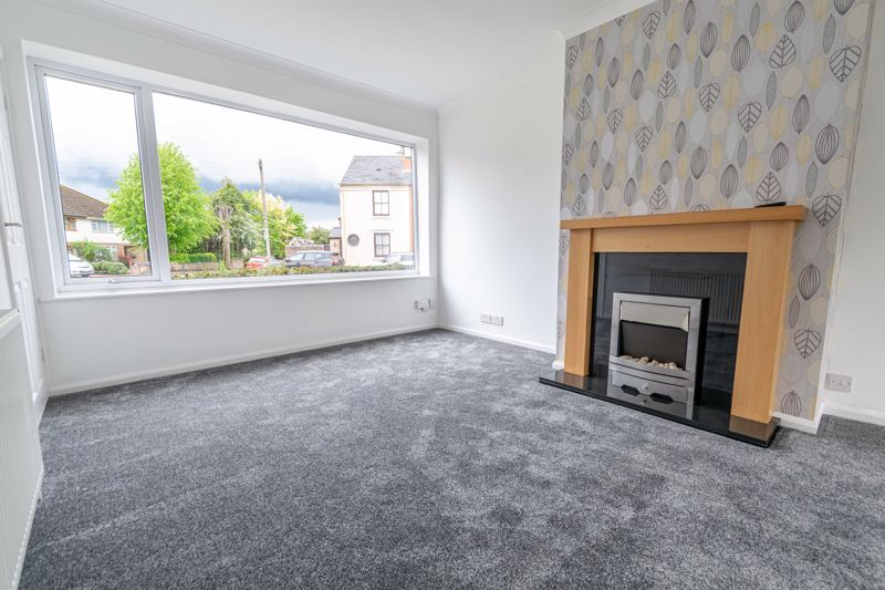 3 bed house for sale in Green Street 2