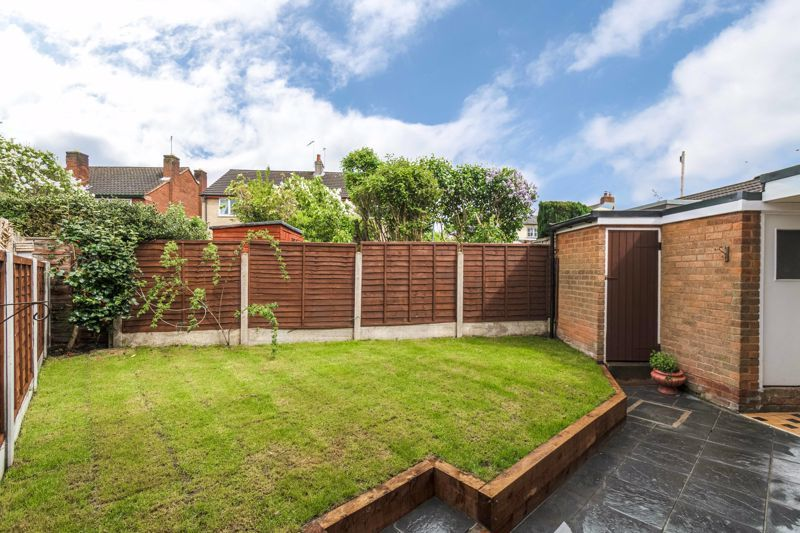 3 bed house for sale in Green Street 13