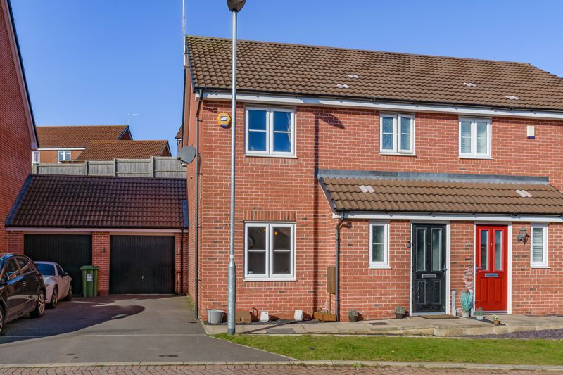 3 bed house for sale in Elrington Close 1