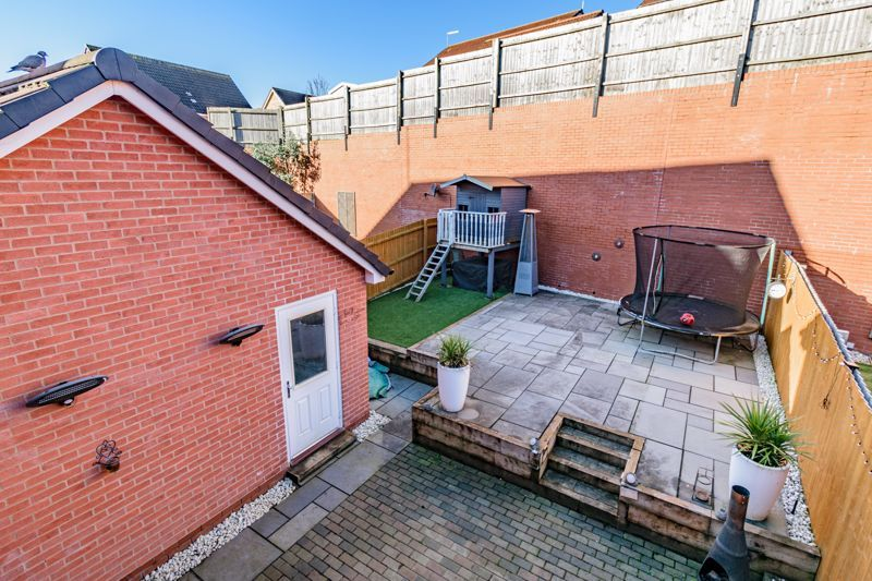 3 bed house for sale in Elrington Close 12