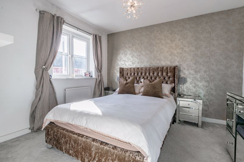 3 bed house for sale in Elrington Close 6