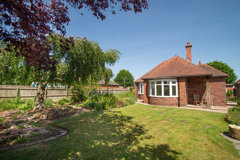 4 bed bungalow for sale in Imperial Avenue  - Property Image 12