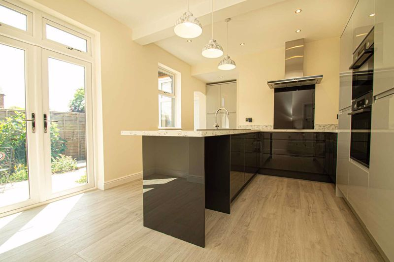 4 bed bungalow for sale in Imperial Avenue  - Property Image 14