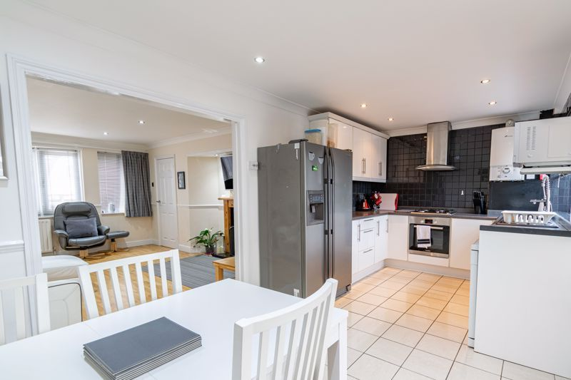 3 bed house for sale in Albury Road 2