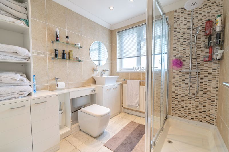 3 bed house for sale in Albury Road 11
