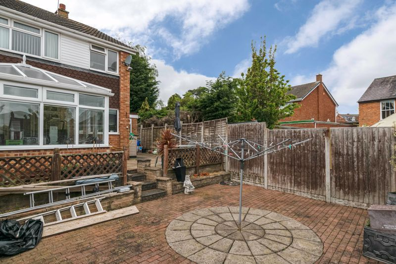 3 bed house for sale in Albury Road 14