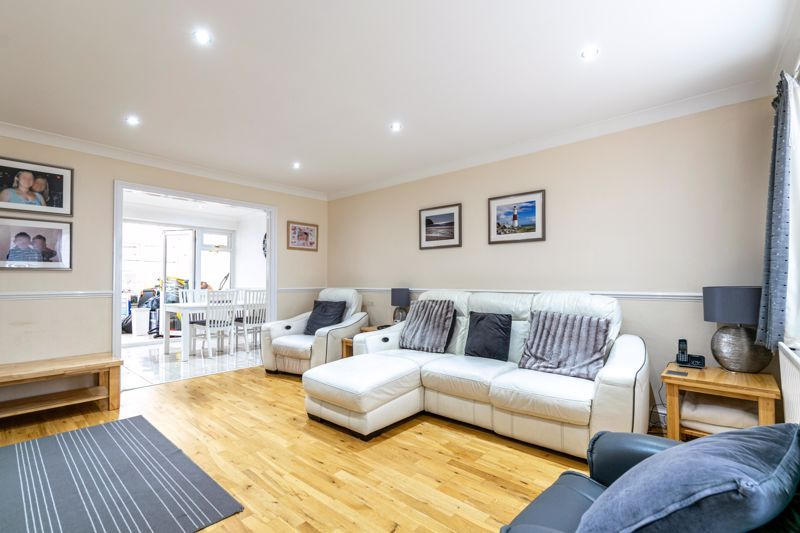 3 bed house for sale in Albury Road 3