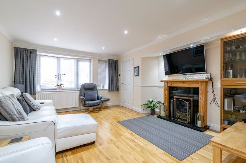 3 bed house for sale in Albury Road 4