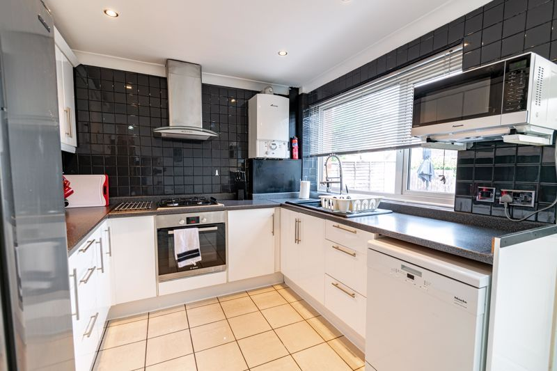 3 bed house for sale in Albury Road  - Property Image 5