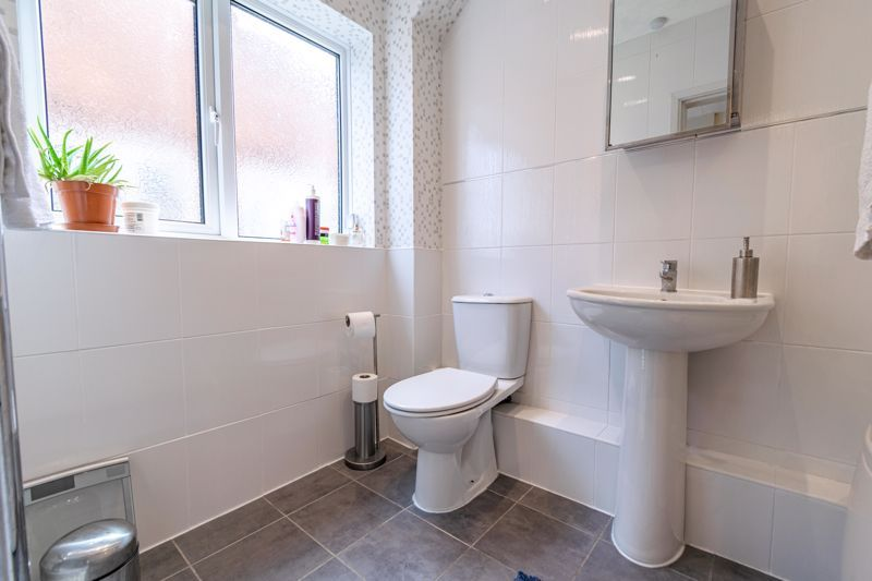 2 bed  for sale in Lords Lane 12