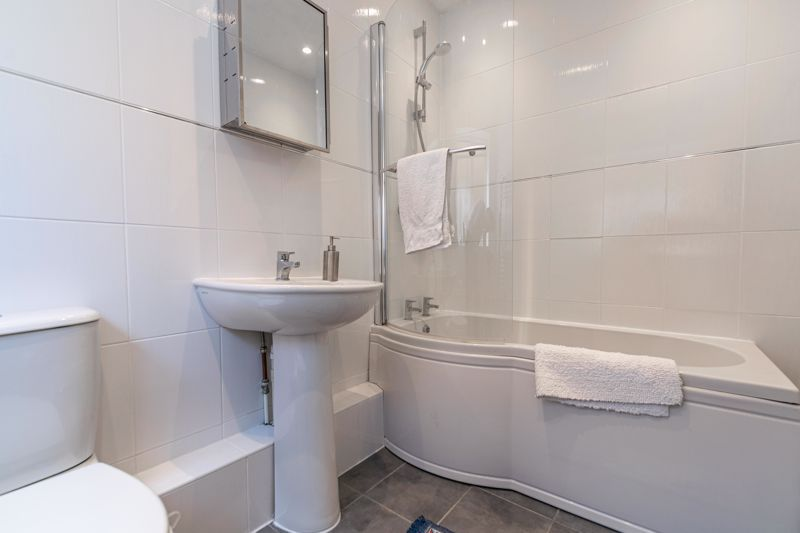 2 bed  for sale in Lords Lane 13