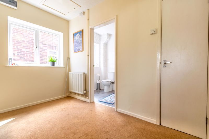 2 bed  for sale in Lords Lane 7